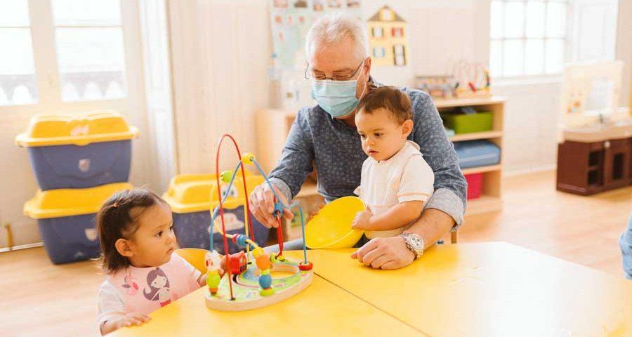 Cómo-afecta-el-cambio-de-horario-a-los-niños
